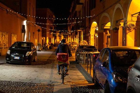 KORONA ODNELA VIŠE OD 50.000 ŽIVOTA U Italiji 630 smrtnih slučajeva za dan