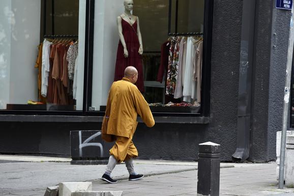 Lažni budistički monasi
