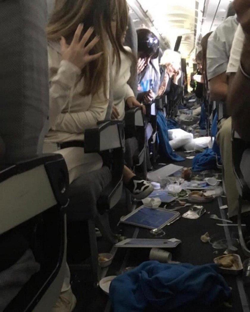 Samolot Aerolinas Argentinas wpadł w turbulencje. 15 osób zostało rannych