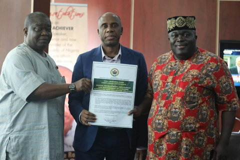 Amaechi receives e-ticketing business model for train services [Israel Ibeleme]