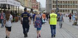Strażnicy miejscy chodzą... trójkami!