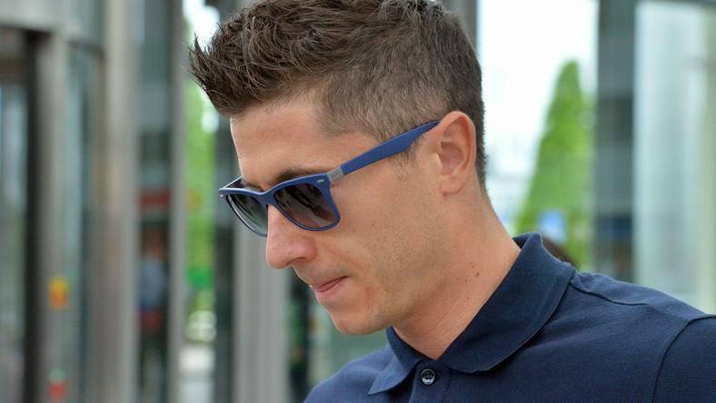 """Lewandowski przed tygodniem doznał groźnej kontuzji w spotkaniu Pucharu Niemiec z Borussią Dortmund. Po starciu z bramkarzem rywali """"Lewy"""" ma złamaną szczęką i nos oraz miał wstrząśnieniem mózgu."""