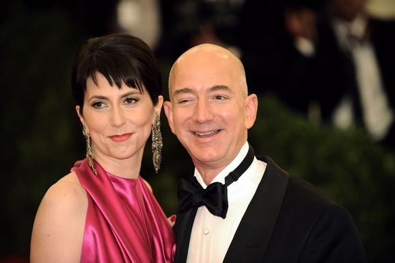 Mekenzi i Džef Bezos