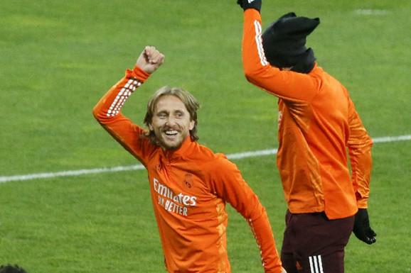 """OTKRIVENO ŠTA JE URADIO! Evo kako je Luka Modrić """"oterao"""" Sergeja Milinkovića Savića od Real Madrida"""