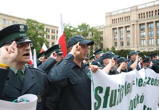 Protest służby celnej: Celnicy chcą jednakowych emerytur dla wszystkich funkcjonariuszy
