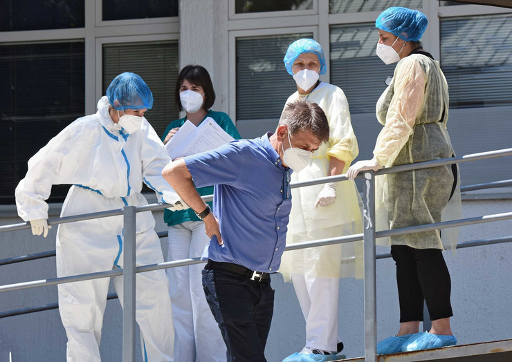 Kragujevac Dom zdravlja Kovid ambulanta direktor dr Vasilije Antic sa zaposlenima 010720 RAS foto Nebojsa Raus01