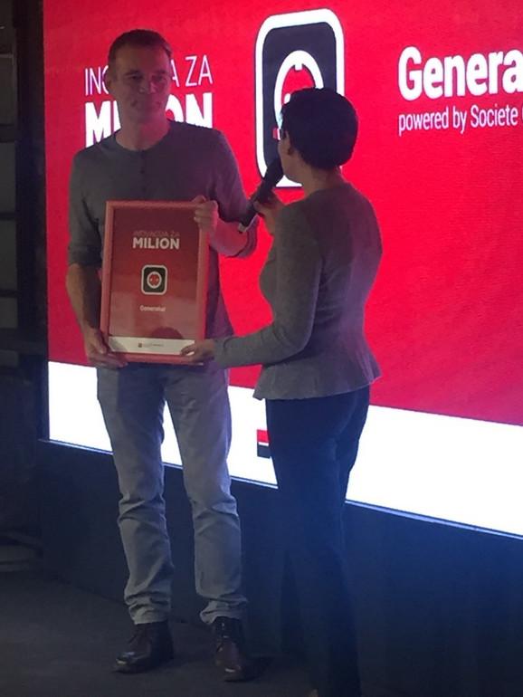 Pobednik: Milan Đurica prima nagradu za najbolju inovaciju