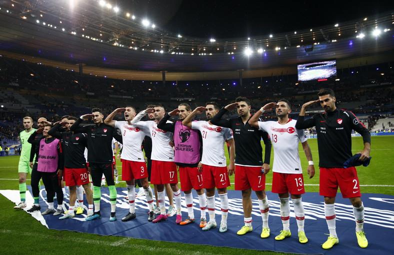 Reprezentacja Turcji podczas meczu z Francją