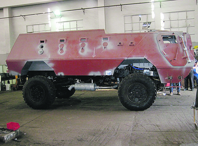 Uzorak: FAP je proizveo šasiju za ovo vozilo na koje su naši inženjeri montirali oklopni deo