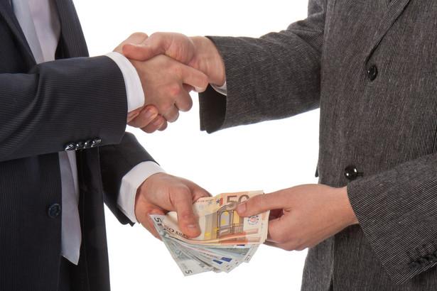 Według respondentów najczęściej korupcja występuje w polityce (uważa tak 48 proc. badanych)
