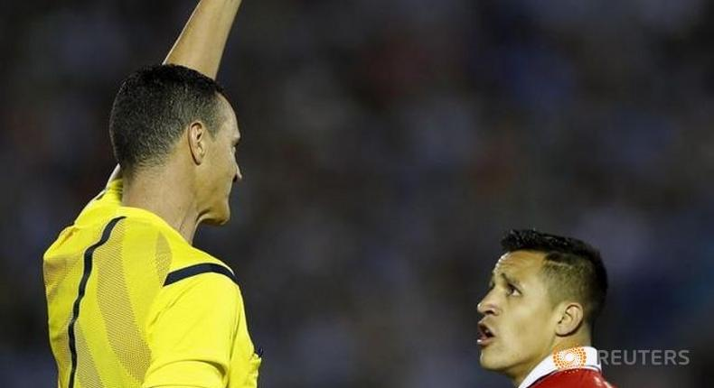 Sanchez hits out after flurry of cards in Chile defeat