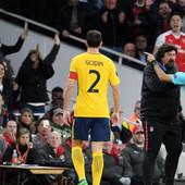 ARSENAL - ATLETIKO Besni Simeone urlao na sudiju, pretio i pocrveneo u polufinalu Lige Evrope /VIDEO/