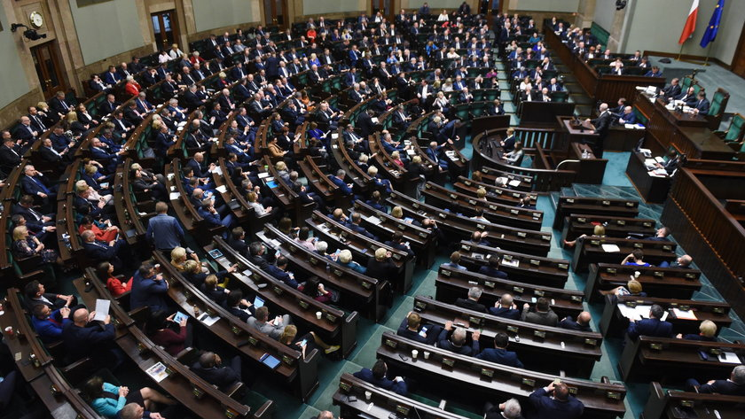 Polacy woleliby opozycję w rządzie