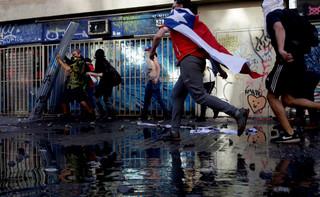 2019 - rok protestujących ludzi. Wściekłych na biedę, korupcję i na tych, którzy mogliby coś zmienić, ale tego nie robią