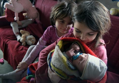 Adrijana, Jovana i beba Ana