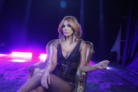 """STIGAO """"VISKI"""": Marina Tadić u novom spotu izgleda kao milion dolara!"""