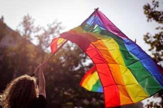 Sądy i strefy wolne od LGBT. Uchylenie da środki z UE?