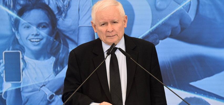 Sondaż: Polacy wciąż najchętniej wybierają PiS. PO z drobnym spadkiem