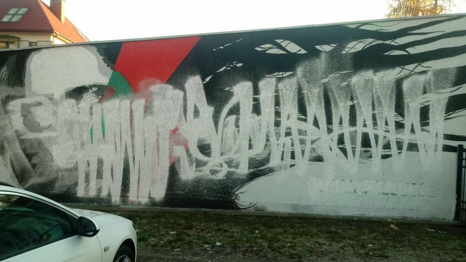 Zniszczony mural Strajku Kobiet