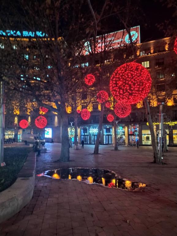 Novogodišnja rasveta puštena je 15. novembra