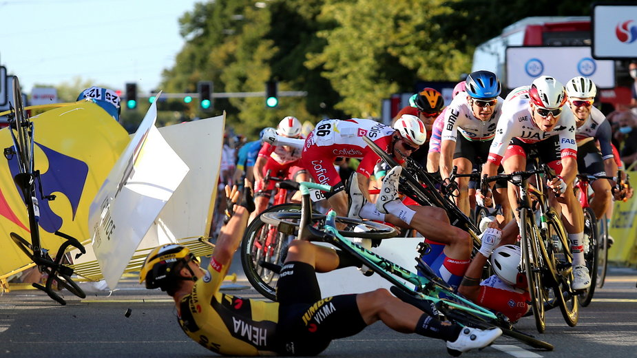 Tour de Pologne: kraksa na mecie w Katowicach