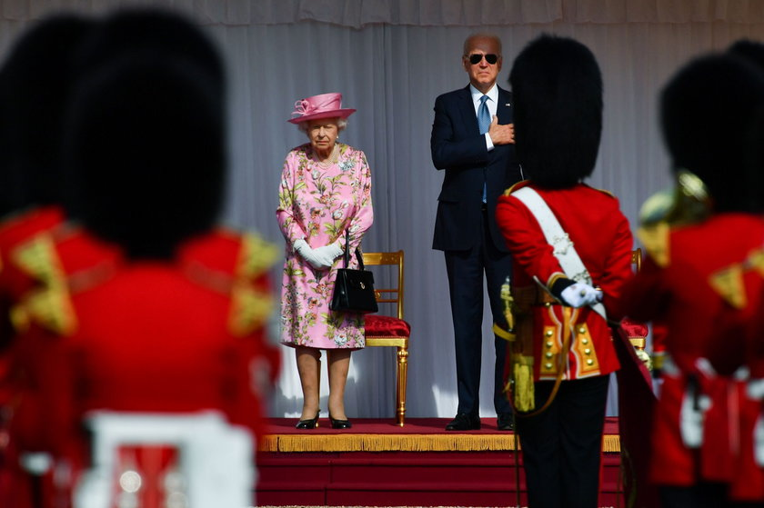 W niedzielę 13 czerwca Elżbieta II przyjęła Joe Bidena i jego małżonkę Jill na zamku w Windsorze