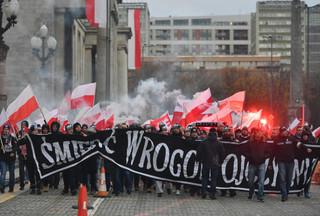 'My chcemy Boga', 'Naszą drogą nacjonalizm'. Marsz Niepodległości na ulicach Warszawy