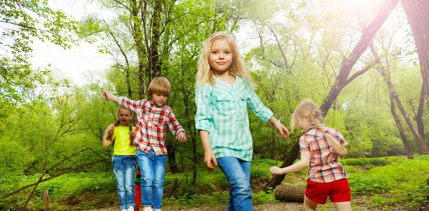 Czy można przy dziecku chodzić nago?