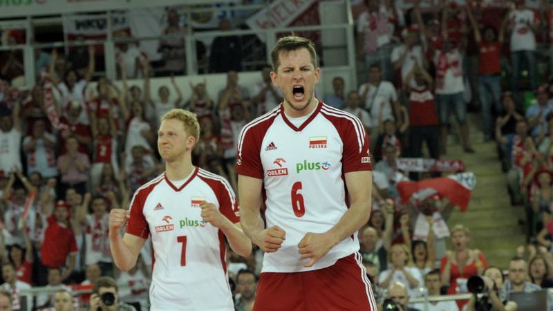 Bartosz Kurek (z prawej)