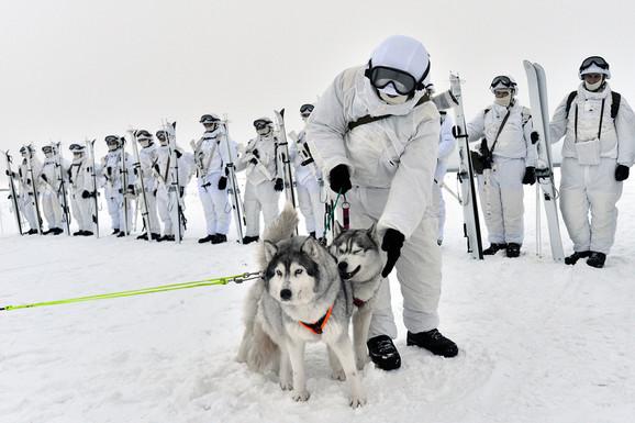 Ruski vojnici na Arktiku