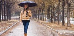 Dziś, jak na październik, będzie całkiem ciepło. Nie zapomnij jednak o parasolce!