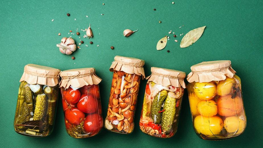 Kiszenie to jedna z najprostszych metod konserwowania żywności