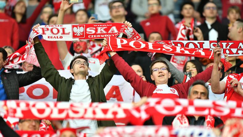 Kibice piłkarskiej reprezentacji Polski podczas meczu towarzyskiego z Rosją