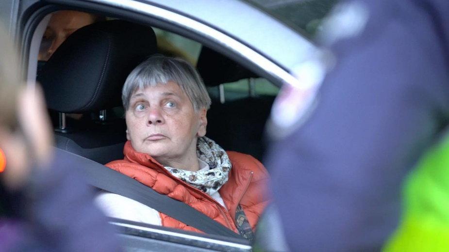 Janina Ochojska przed wjazdem do strefy stanu wyjątkowego. 23 września 2021.