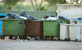 Opłaty za śmieci mocno w górę w 2020 r. Grożą nam też przepełnione pojemniki