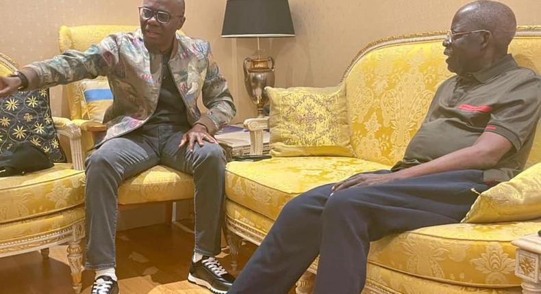 Lagos State governor, Babajide Sanwo-Olu (left), with former Lagos State governor, Bola Tinubu (right) in London [LASG]