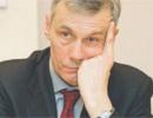 Członek Rady Polityki Pieniężnej Andrzej Bratkowski poinformował, że zrezygnuje ze swojego członkostwa w RPP, jeżeli rząd wyrazi zgodę na wyliczenie rezerwy na ryzyko kursowe w sposób zaproponowany przez zarząd NBP.