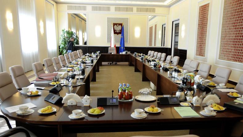Minister Kudrycka wybrała mocnego jaguara
