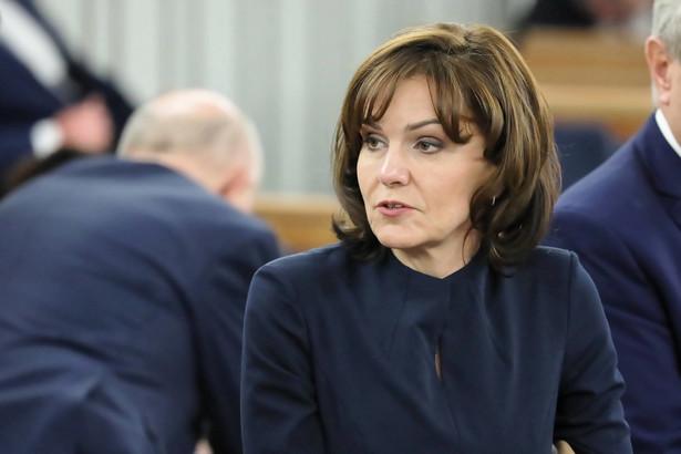 - Na pewno los tej ustawy zależy od większości rządowej, ale także od KE. Bo pojawiły się informacje, że Komisja wystąpi o środki zabezpieczające do TSUE w sprawie Izby Dyscyplinarnej. Gdyby tak miało się stać, polski rząd musi się zastanowić, co zrobić - mówi Morawska-Stanecka.