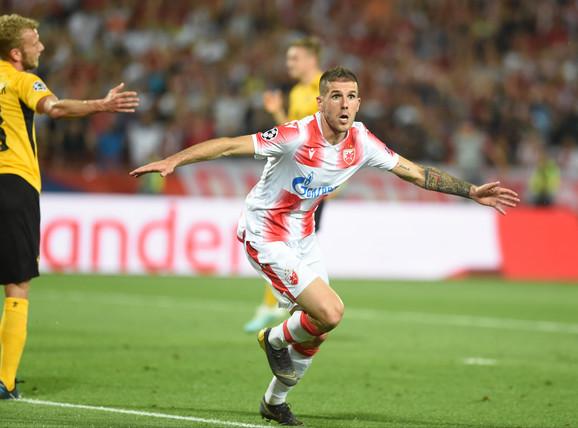 Aleksa Vukanović slavi gol na meču FK Crvena zvezda - Jang Bojs