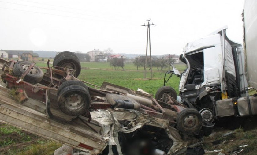 Tragiczny wypadek na krajowej 8.