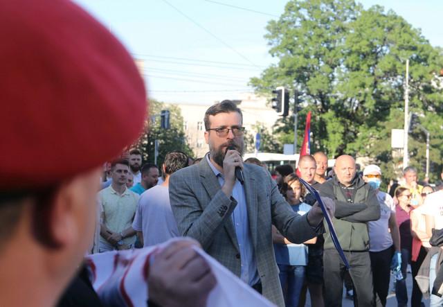 Srđan Nogo je predložio da Vučić u svoju kuću ugradi 5G mrežu
