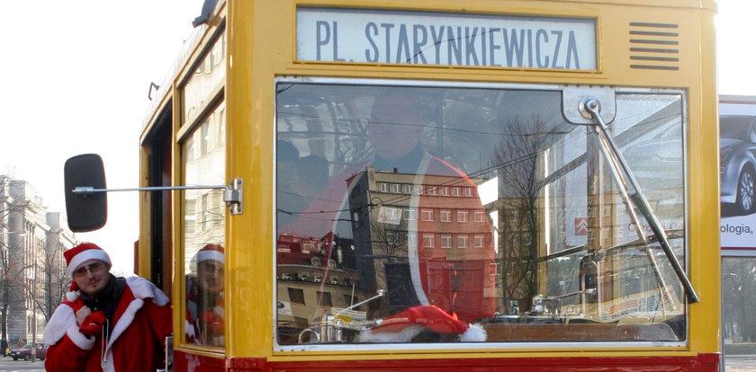 Zabytkowy tramwaj w mikołajki