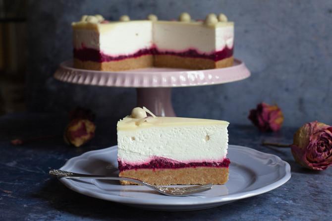 Ako volite klasičnu švarcvald tortu, ovu koja se ne peče ćete obožavati