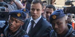 Pistorius stroi się w biżuterię w więzieniu