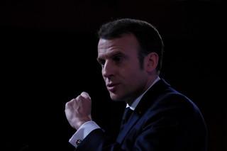 Macron ogłasza zamknięcie szkół z powodu koronawirusa. Nie odwołuje jednak niedzielnych wyborów