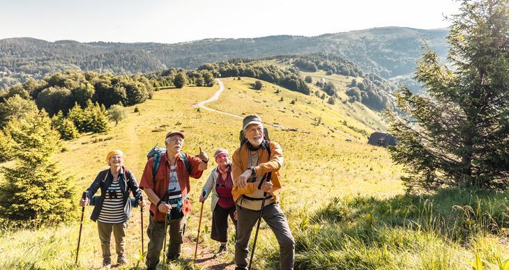 Das sollten Senioren beim Wandern beachten
