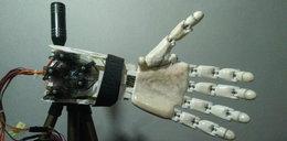 Studentka stworzyła protezę przyszłości. Ta ręka choć sztuczna, działa jak prawdziwa!