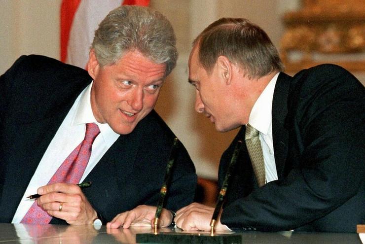 Bil Klinton i Vladimir Putin epa ItarTass Pool