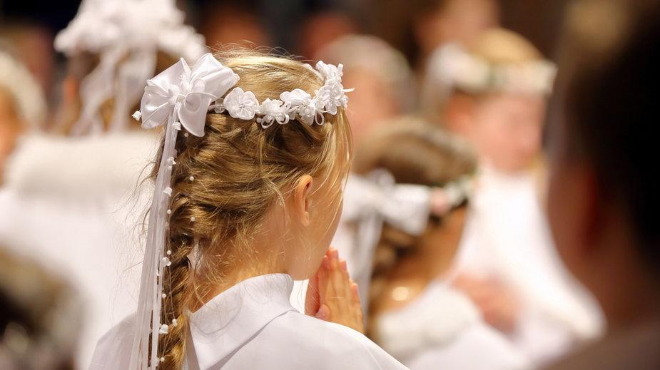 W wielu parafiach komunie mają się odbyć zgodnie z planem, czyli w maju